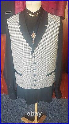 Mens Skye Bespoke Tailored Waistcoat Black and White Dogtooth