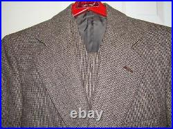 Vintage 1970's Men's Size 36 Suit with vest in perfect condition